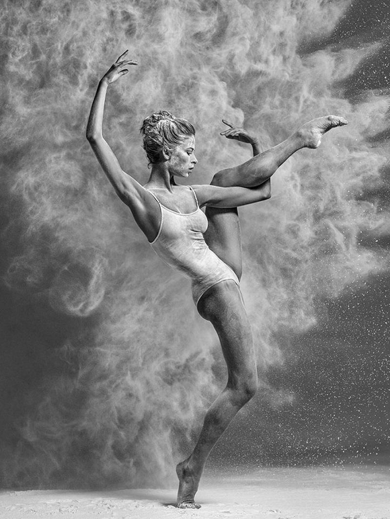 Откровенные фото, показывающие обратную сторону балета ?