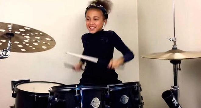 «Курт гордился бы»: девятилетняя барабанщица исполнила кавер Nirvana