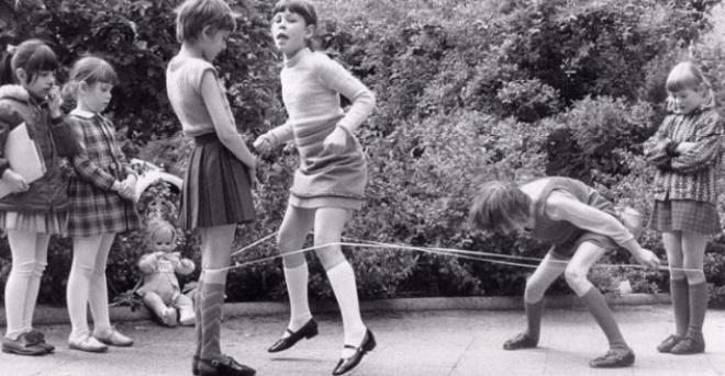 Детство наших родителей было добрым и веселым