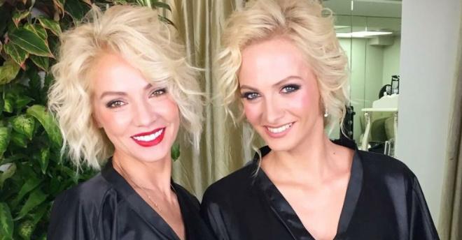 Актриса Полина Максимова и ее мать выглядят как родные сестры