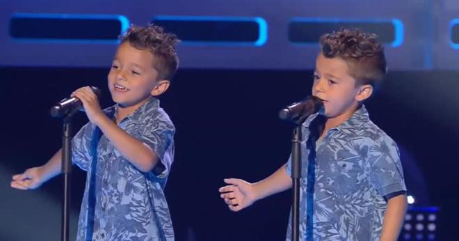 Антонио и Пако исполняют «Te Quiero, Te Quiero» Розарио Флореса на прослушиваниях третьего издания «La Voz Kids».