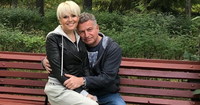 Единственная дочь Анжелики Варум и Леонида Агутина работает простой официанткой