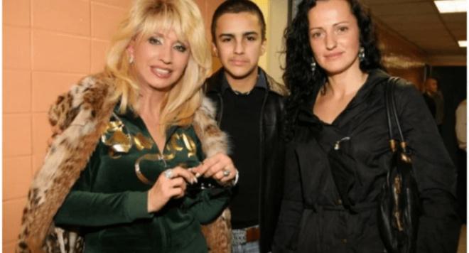Красивый взрослый 23-летний внук Ирины Аллегровой — Александр Барсегян