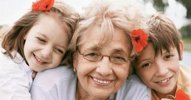 Турецким бабушкам платят за то, что они сидят с внуками