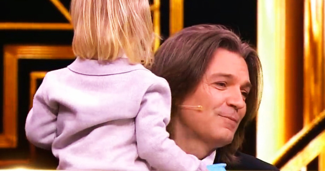 Двухлетний сын Дмитрия Маликова дебютировал на телевидении: ради малыша певец отказывается от гастролей