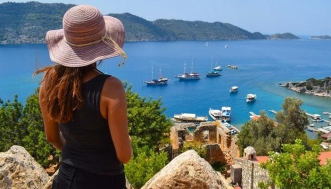 Девушка рассказала о поведении русских туристов в пятизвездочном отеле Турции