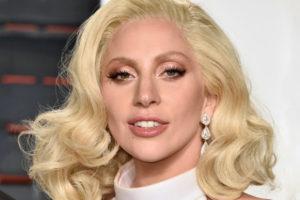 «Взялась за старое…»: Леди Гага прогулялась в исподнем по улицам Лос-Анджелеса.